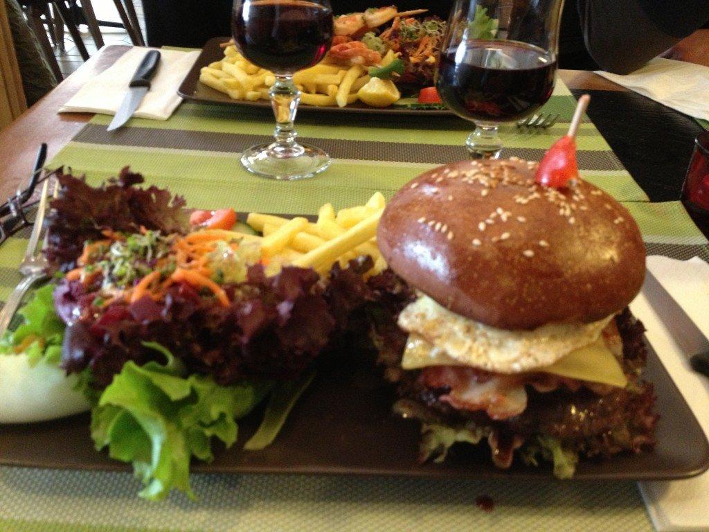 Swiss Aussie burger   Top, top !